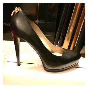 Michael Kors Hamilton Pumps